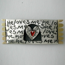 Love me,love me not brooch by Nicola Becci