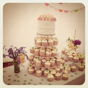 Wedding cake and cupcakes baked for fellow jeweller Alison Macleod...by Nicola Baecci