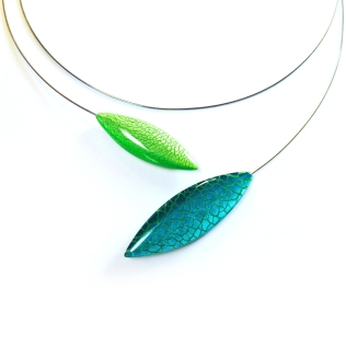 Mid 2000's: Wendy Sarah Pacey. Necklace - laminated acrylic, steel.